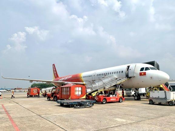 Tập đoàn Sovico tặng 10 xe cứu thương, chuyên chở hàng ngàn y bác sĩ, tặng hàng trăm ngàn suất cơm tại TPHCM ảnh 5