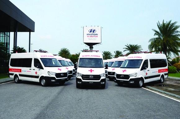 Liên doanh Ô tô Hyundai Thành Công trao tặng 10 xe Solati cứu thương ảnh 2