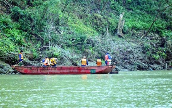 Kinh hoàng 9 công nhân thiệt mạng và mất tích trên sông Hồng ảnh 1
