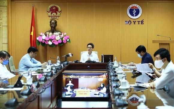 Đề xuất TPHCM ra khỏi nhóm nguy cơ cao, Hà Nội tiếp tục cách ly tới hết 30-4 ảnh 2
