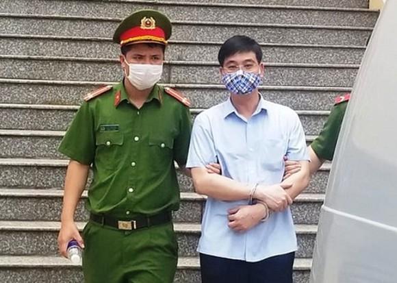 Xét xử vụ án gian lận thi cử ở Hòa Bình: Cựu trưởng phòng an ninh kêu oan ảnh 1