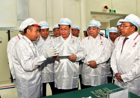 Bí thư Thành ủy Hà Nội: Khu Công nghệ cao Hòa Lạc không được ngồi chờ các nhà đầu tư ảnh 1