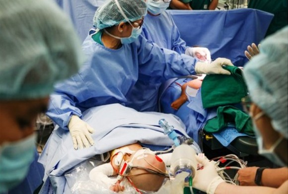 Chống dịch Covid-19 thành công là sự kiện y tế tiêu biểu nhất của Việt Nam năm 2020 ảnh 4
