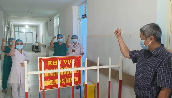 Chống dịch Covid-19 thành công là sự kiện y tế tiêu biểu nhất của Việt Nam năm 2020 ảnh 1