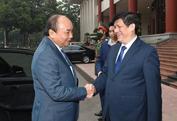 Thủ tướng Nguyễn Xuân Phúc: Xử lý nghiêm tổ chức, cá nhân vi phạm quy định phòng chống dịch  ảnh 1