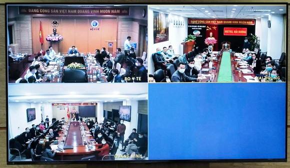 Phát hiện 2 ca nhiễm Covid-19 trong cộng đồng, Phó Thủ tướng họp khẩn trong đêm với tỉnh Hải Dương và Quảng Ninh ảnh 2