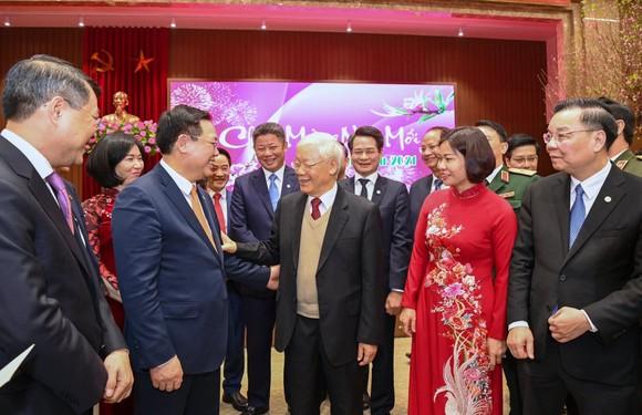 Tổng Bí thư, Chủ tịch nước Nguyễn Phú Trọng chúc tết Đảng bộ, chính quyền, nhân dân Thủ đô, dâng hương vua Lý Thái Tổ ảnh 2