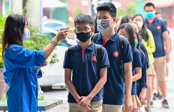 Học sinh Hà Nội trở lại trường ngày 2-3 ảnh 1