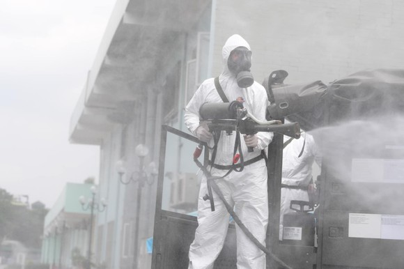 Bộ đội hóa học tiến hành khử khuẩn, tiêu độc ở Bệnh viện K ảnh 5