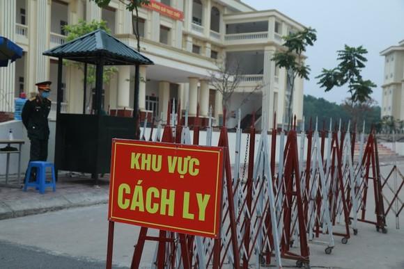 Hà Nội phát hiện 27 ca dương tính SARS-CoV-2 đang cách ly tại Trường Quân sự Sơn Tây ảnh 1