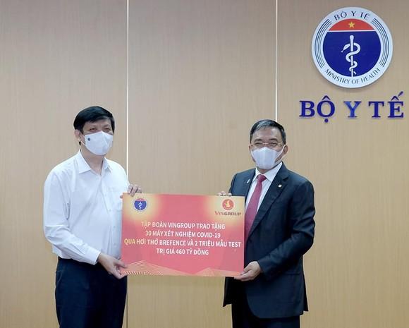 Lần đầu tiên, Việt Nam có máy xét nghiệm Covid-19 qua hơi thở ứng dụng AI ảnh 1
