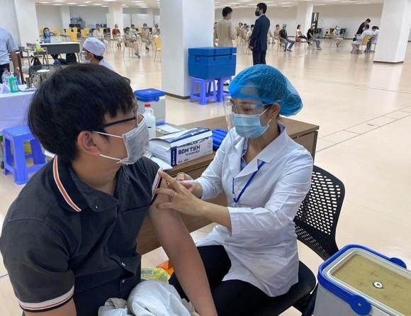 Bộ trưởng Bộ Y tế: Không được phép lãng phí một liều vaccine Covid-19 nào ảnh 2