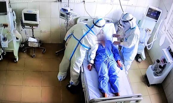 Sự thật về 69 ca mắc Covid-19 tử vong trong chưa đầy 1 ngày tại TPHCM ảnh 1