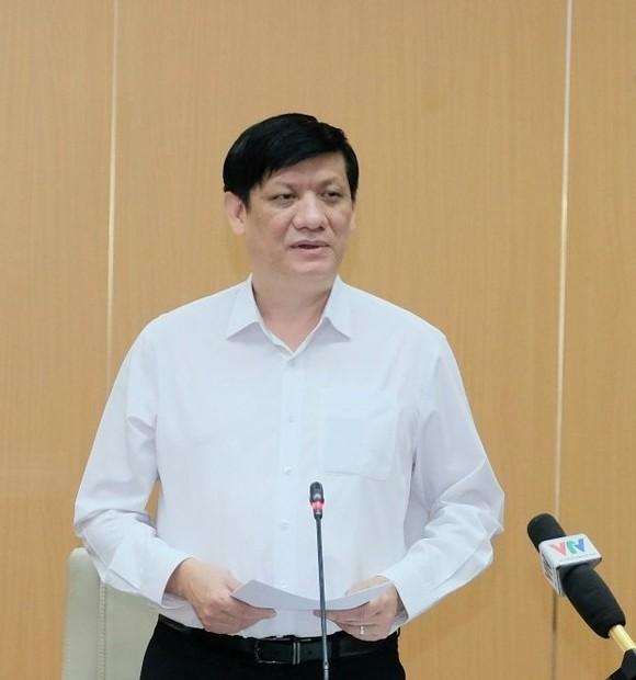 Bộ trưởng Bộ Y tế: Nhiều nơi chưa quyết liệt ứng phó với dịch Covid-19 ảnh 1