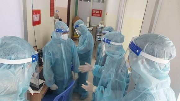 Tối 24-7, cả nước có hơn 2.000 người khỏi bệnh và 3.977 ca mắc Covid-19 ảnh 1