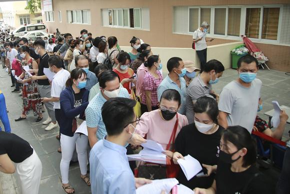Bộ Y tế yêu cầu đình chỉ ngay cơ sở tiêm chủng vaccine Covid-19 không an toàn ảnh 1