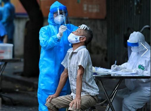 Sàng lọc ho sốt, Hà Nội phát hiện thêm 16 ca dương tính ở cộng đồng ảnh 1
