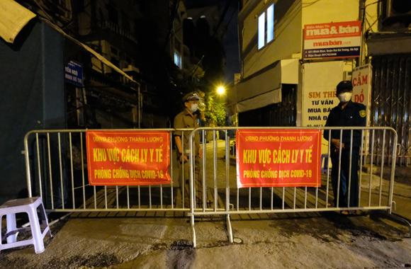 Sáng 2-8, Hà Nội có 38 ca mắc tại cộng đồng, trong đó 1 ca bệnh tử vong tại Bệnh viện Tim ảnh 1