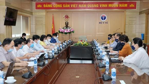 Đợt dịch thứ 4 lây nhiễm mạnh nhưng Việt Nam 'đi đúng hướng' ảnh 2
