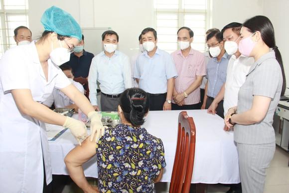 Thử nghiệm vaccine COVIVAC tới tháng 12 có thể đề xuất cấp phép khẩn cấp ảnh 1