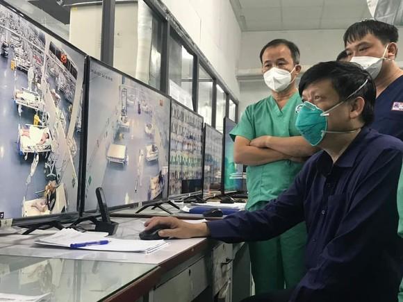 Bộ trưởng Bộ Y tế: Công tác chống dịch đang đi đúng hướng nhưng phải tiếp tục cầu thị ảnh 1