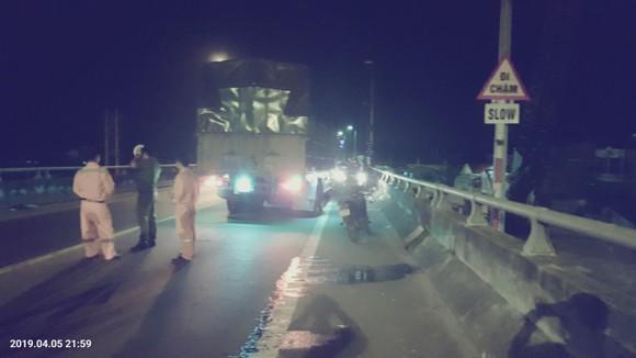 2 ô tô đối đầu khiến 2 người chết, 3 người nguy kịch trên đường dẫn hầm Hải Vân ảnh 4