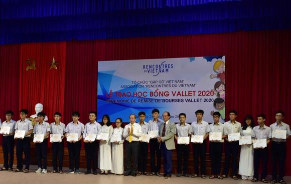 Trao 212 suất học bổng Vallet năm 2020 tại Thừa Thiên - Huế ảnh 1
