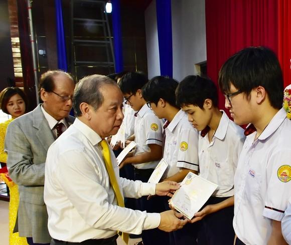 Trao 212 suất học bổng Vallet năm 2020 tại Thừa Thiên - Huế ảnh 2