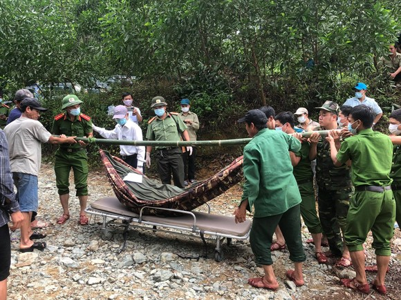Tìm được 20 người mắc kẹt tại thủy điện Rào Trăng 4, một người đã tử vong ảnh 2