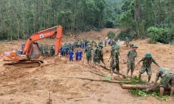 Đã tìm thấy thi thể 13 thành viên trong đoàn công tác gặp nạn trên đường đi ứng cứu thủy điện Rào Trăng 3  ảnh 1