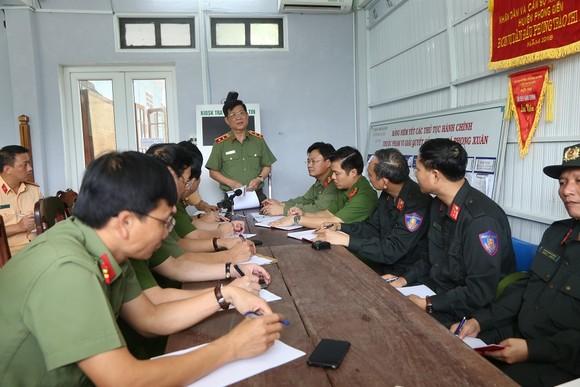 Bộ Công an giao Công an Thừa Thiên - Huế tìm kiếm 16 công nhân mất tích tại Rào Trăng 3 ảnh 1