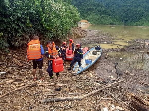 Huy động máy bay không người lái tìm kiếm 15 nạn nhân mất tích ở thủy điện Rào Trăng 3 ảnh 3