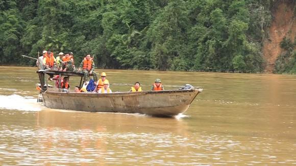 Vụ sạt lở tại Thủy điện Rào Trăng 3: Sau một tuần ứng cứu vẫn còn 15 người mất tích ảnh 9
