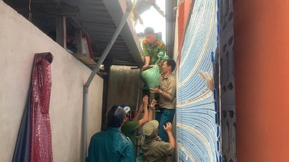 Đà Nẵng, Thừa Thiên-Huế yêu cầu người dân không ra khỏi nhà bắt đầu từ trưa 14-11 ảnh 2