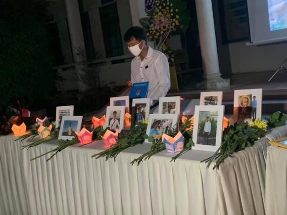 Chủ tịch nước truy tặng Huân chương Dũng cảm cho sinh viên cứu người Nguyễn Văn Nhã ảnh 3