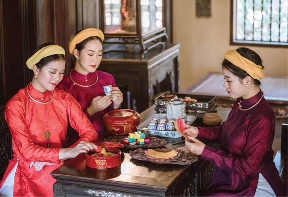 Khai mạc triển lãm online 'Huế - Kinh đô Áo dài Việt Nam' ảnh 1