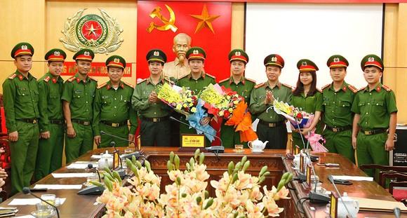 Triệt phá đường dây lô đề khủng ở Hà Tĩnh, bắt 13 đối tượng ảnh 1