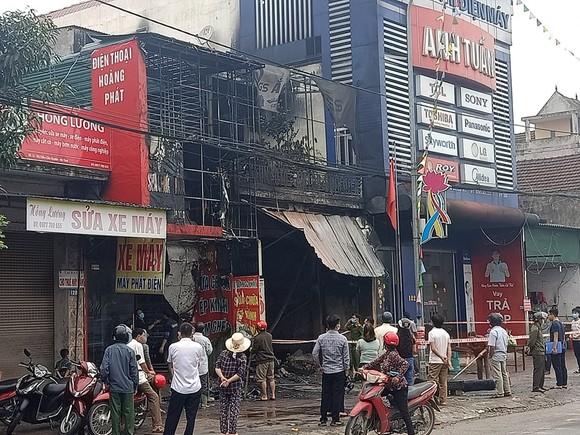 Cháy cửa hàng sửa chữa, kinh doanh thiết bị ô tô khiến 2 người tử vong ảnh 4