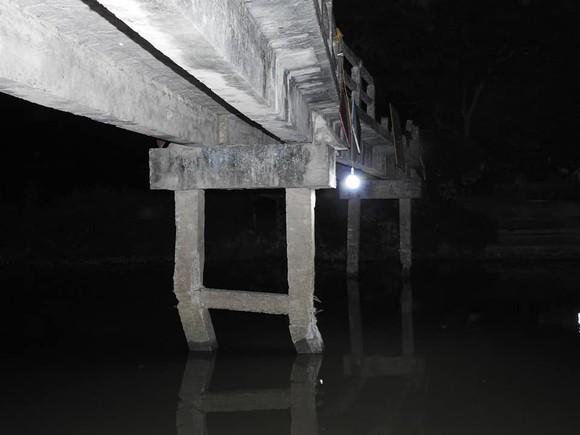 Trụ cầu bị gãy, xiêu vẹo đe dọa nguy cơ đổ sập