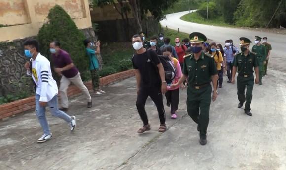 Triệt phá đường dây đưa người xuất cảnh trái phép sang Trung Quốc  ảnh 1