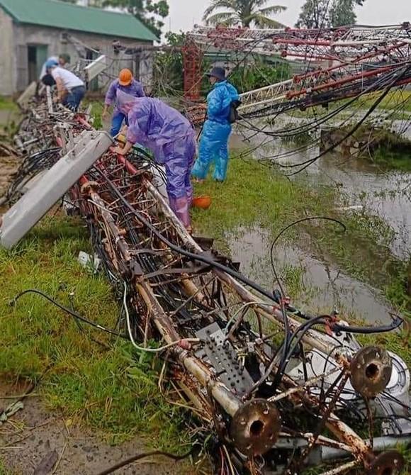 Lốc xoáy gây thiệt hại hàng tỷ đồng ở hai xã ven biển Hà Tĩnh ảnh 1