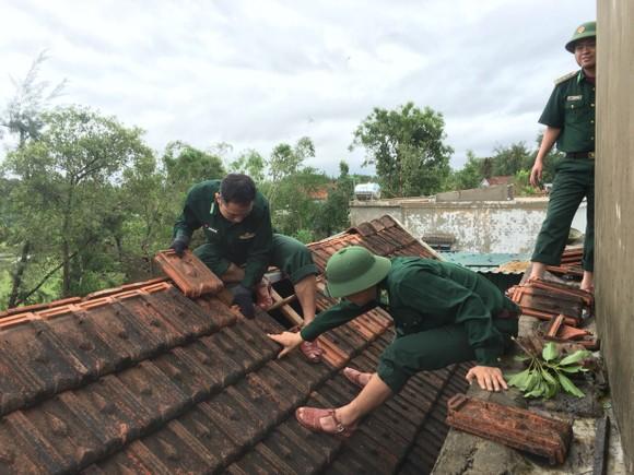 Lốc xoáy gây thiệt hại hàng tỷ đồng ở hai xã ven biển Hà Tĩnh ảnh 4