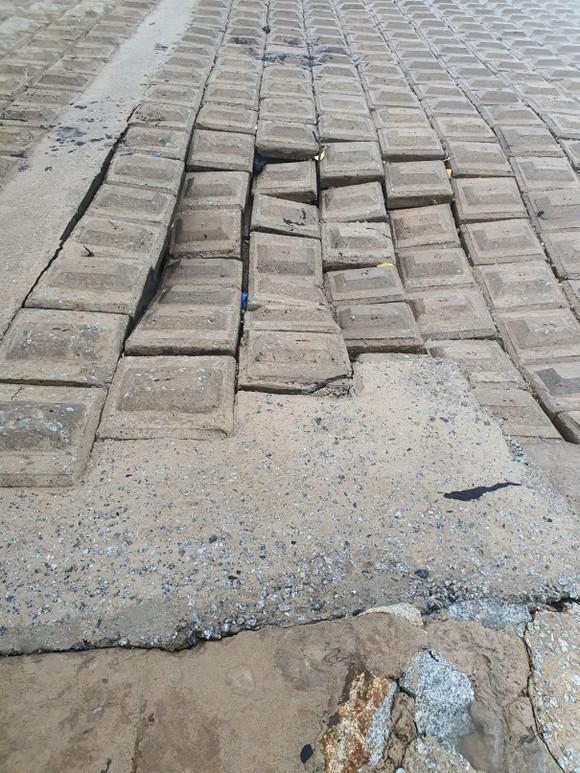 Nỗi lo sạt lở kè biển trong mùa mưa bão tại Hà Tĩnh ảnh 4