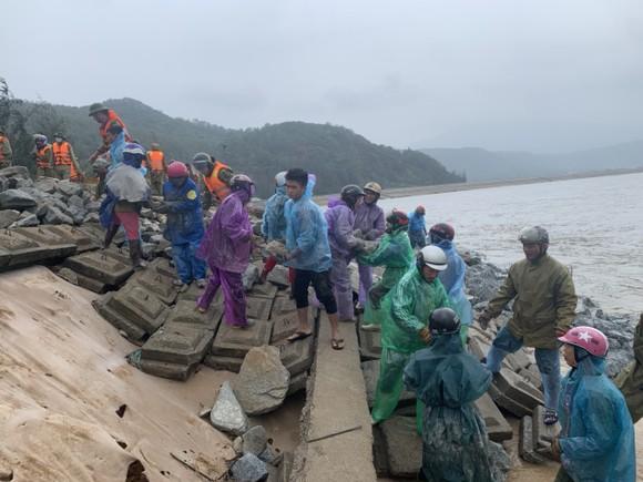 Nỗi lo sạt lở kè biển trong mùa mưa bão tại Hà Tĩnh ảnh 6