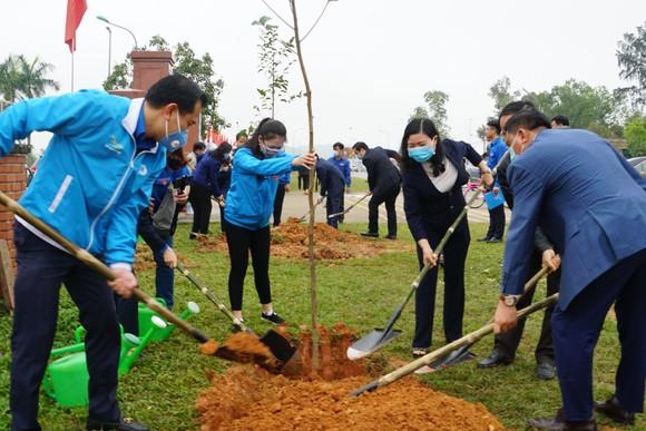 """Ra quân Tháng thanh niên và Tết trồng cây """"Đời đời nhớ ơn Bác Hồ"""" ảnh 7"""