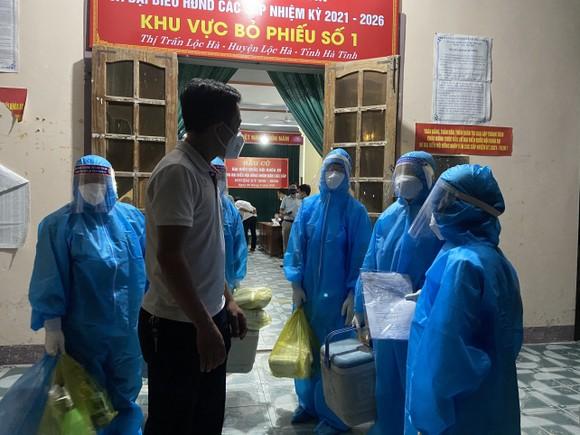 Hà Tĩnh ghi nhận thêm 3 người trong một gia đình dương tính với SARS-CoV-2 ảnh 2