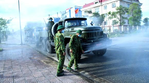 Từ 12 giờ trưa nay 13-7, Hà Tĩnh cho phép hoạt động trở lại một số dịch vụ thiết yếu ảnh 1