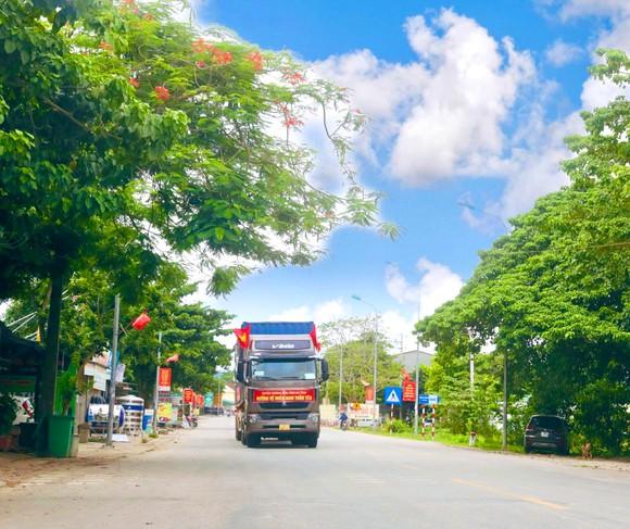 Người dân miền núi Hà Tĩnh tiếp tục quyên góp gần 120 tấn hàng hóa ủng hộ TPHCM và các tỉnh phía Nam ảnh 19