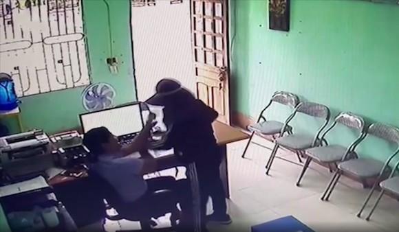 Bắt nghi phạm dùng dao khống chế nhân viên quỹ tín dụng liên xã để cướp tài sản ảnh 2