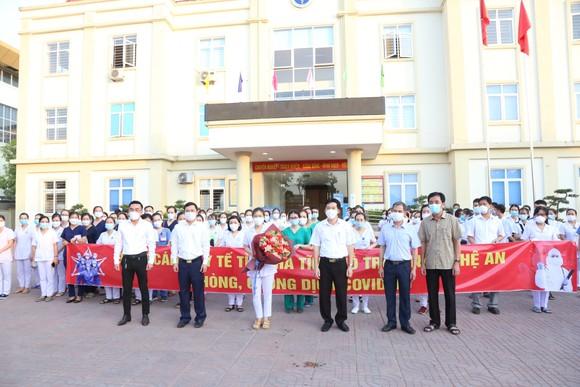 Hà Tĩnh cử 152 cán bộ, nhân viên y tế hỗ trợ tỉnh Nghệ An phòng, chống dịch Covid-19 ảnh 2